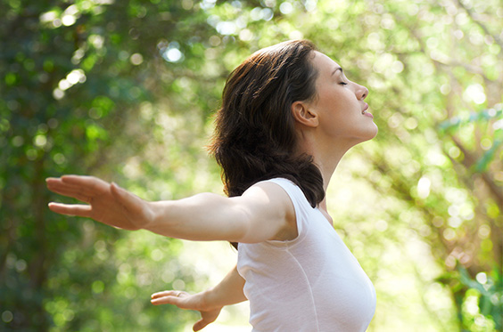 Woman with thin arms and youthful skin that are possible with VelaShape and CoolSculpting
